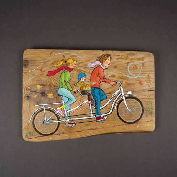 Ağaç Duvar Panosu – Bisikletli Aile