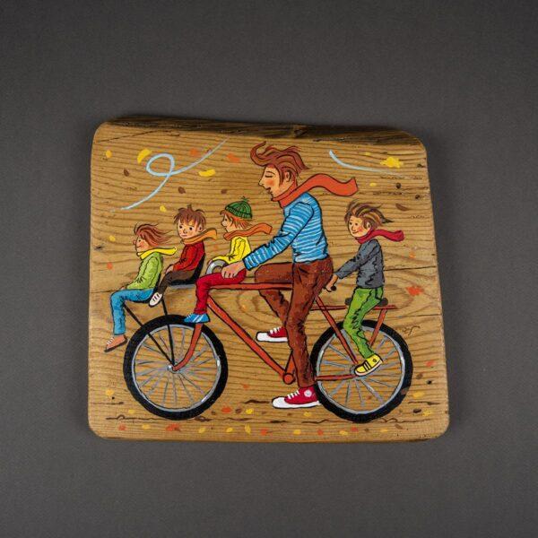 Ağaç Duvar Panosu – Çocuklarla Bisiklet Gezisi